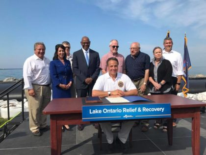 Signing of the Lake Ontario Relief and Recovery Grant