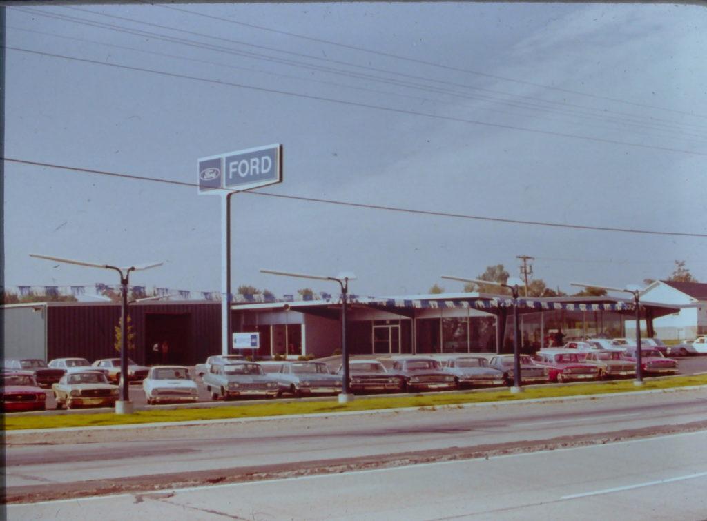 Vanderstyne Ford on Ridge Road