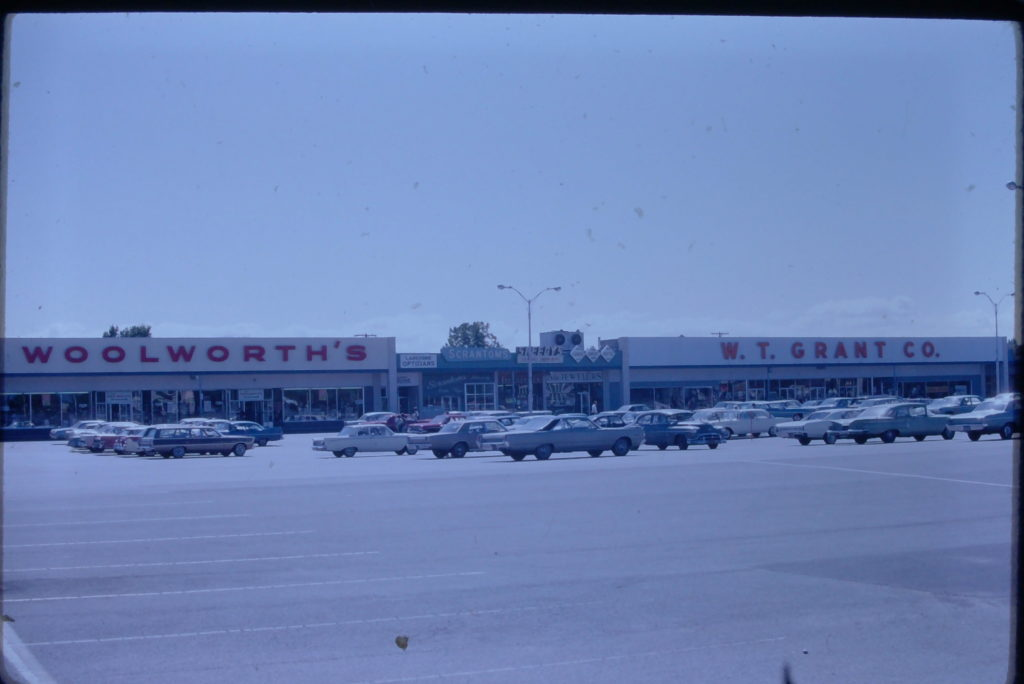 Woolworth's & W.T. Grant Co. in Ridgemont Plaza