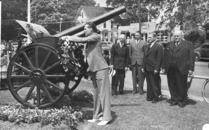 1943 Memorial Day Wreath Dedication
